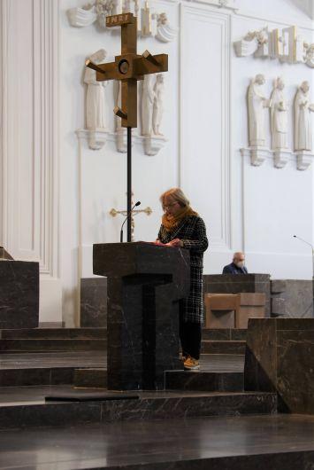 Bei einem Gottesdienst im Würzburger Kiliansdom ist Domkapitular Christoph Warmuth am Freitag, 26. März, als stellvertretender Leiter der Hauptabteilung Seelsorge verabschiedet worden.