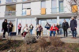 Über 300 Ostergrüße haben die Azubis des Exerzitienhauses Himmelspforten für die Bewohnerinnen und Bewohner der Caritas-Pflegeheime in Würzburg handgeschrieben.