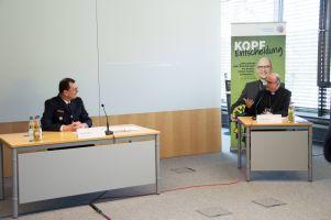 Polizeipräsident Gerhard Kallert (links) und Bischof Dr. Franz Jung bei der Pressekonferenz zum Start der Präventionskampagne #KopfEntscheidung.