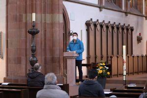 Mit einer Gebetswache hat am Montagabend, 26. April, die Gemeinschaft Sant'Egidio in der Würzburger Marienkapelle der jüngst auf dem Mittelmeer vor Libyen ertrunkenen 130 Migranten gedacht. Hans Ulrich trug einen Text von Marco Impagliazzo, Präsident von Sant'Egidio, vor.