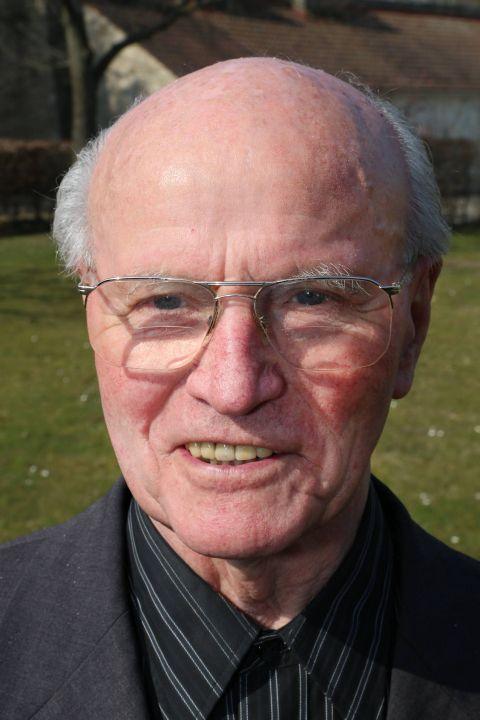 Pfarrer i. R. Josef Wirth (28. Dezember 1926-)